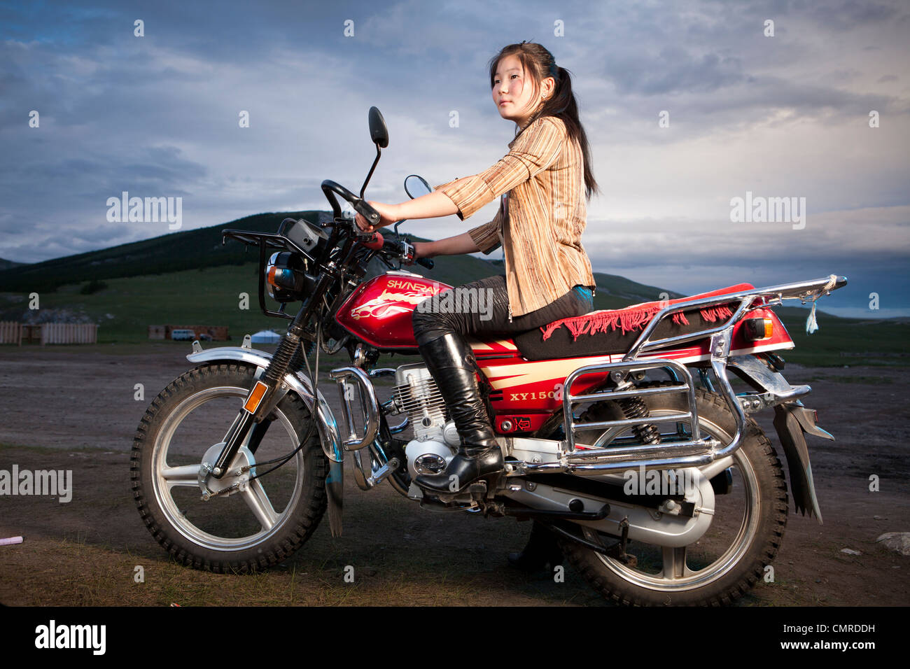 mongolian-woman-on-the-motorbike-norther