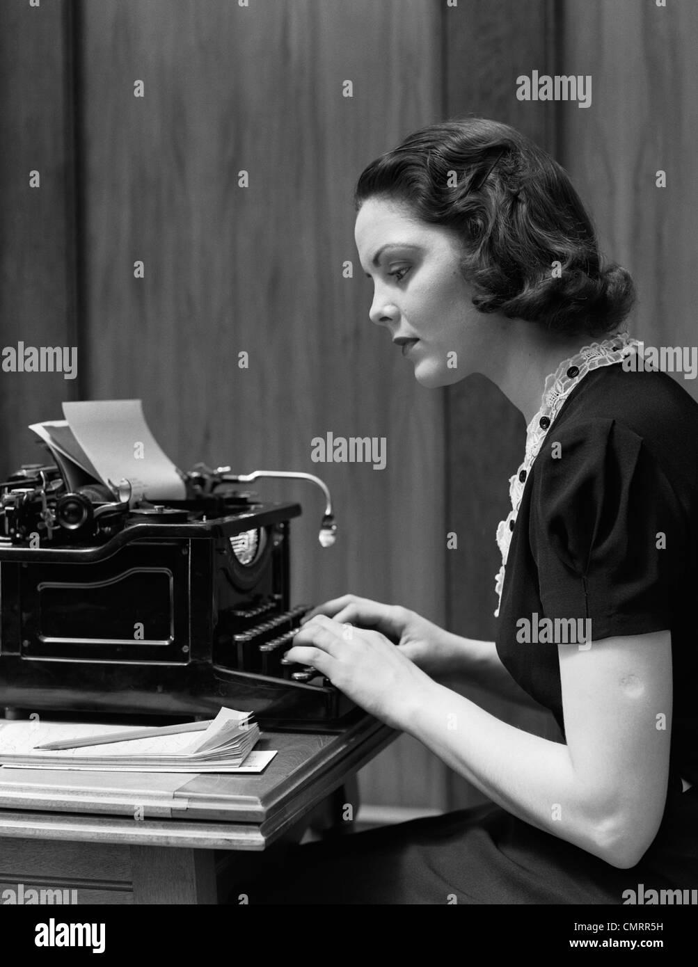 1930s WOMAN TYPING ON UNDERWOOD TYPEWRITER Stock Photo ...