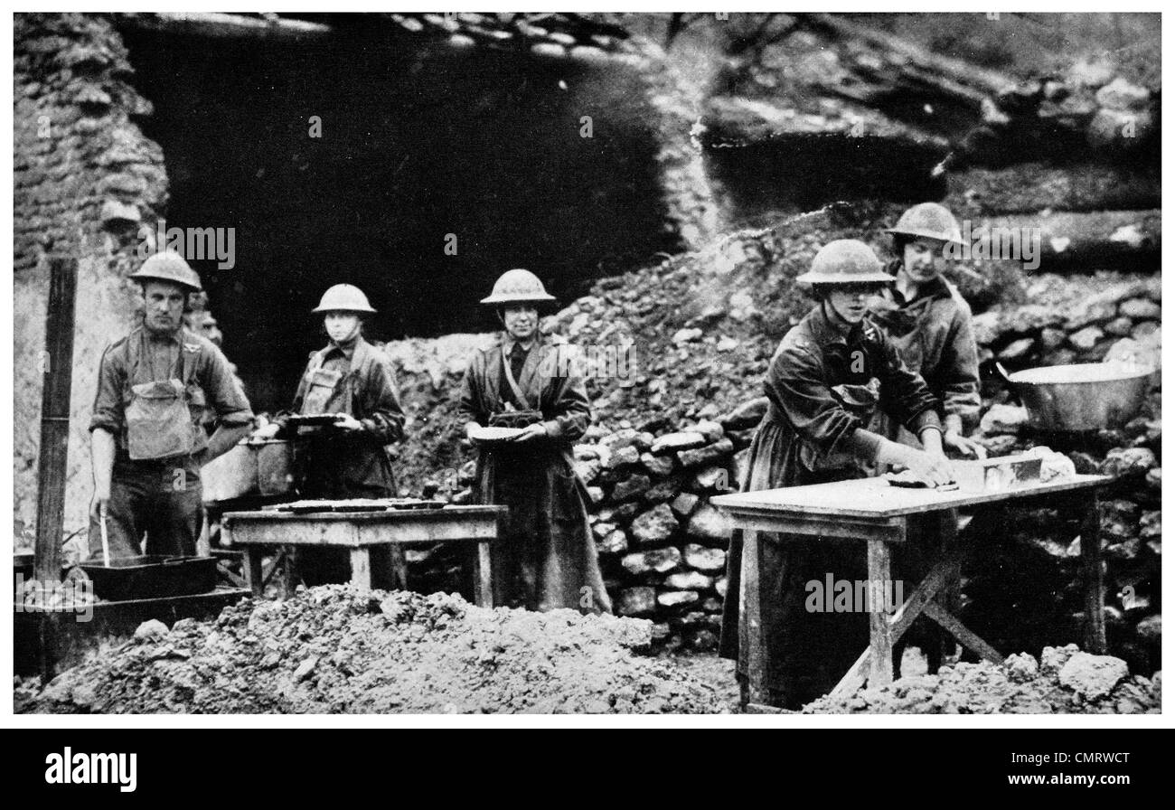 1918 Munition manufacture production in front line trench trenches war - Stock Image