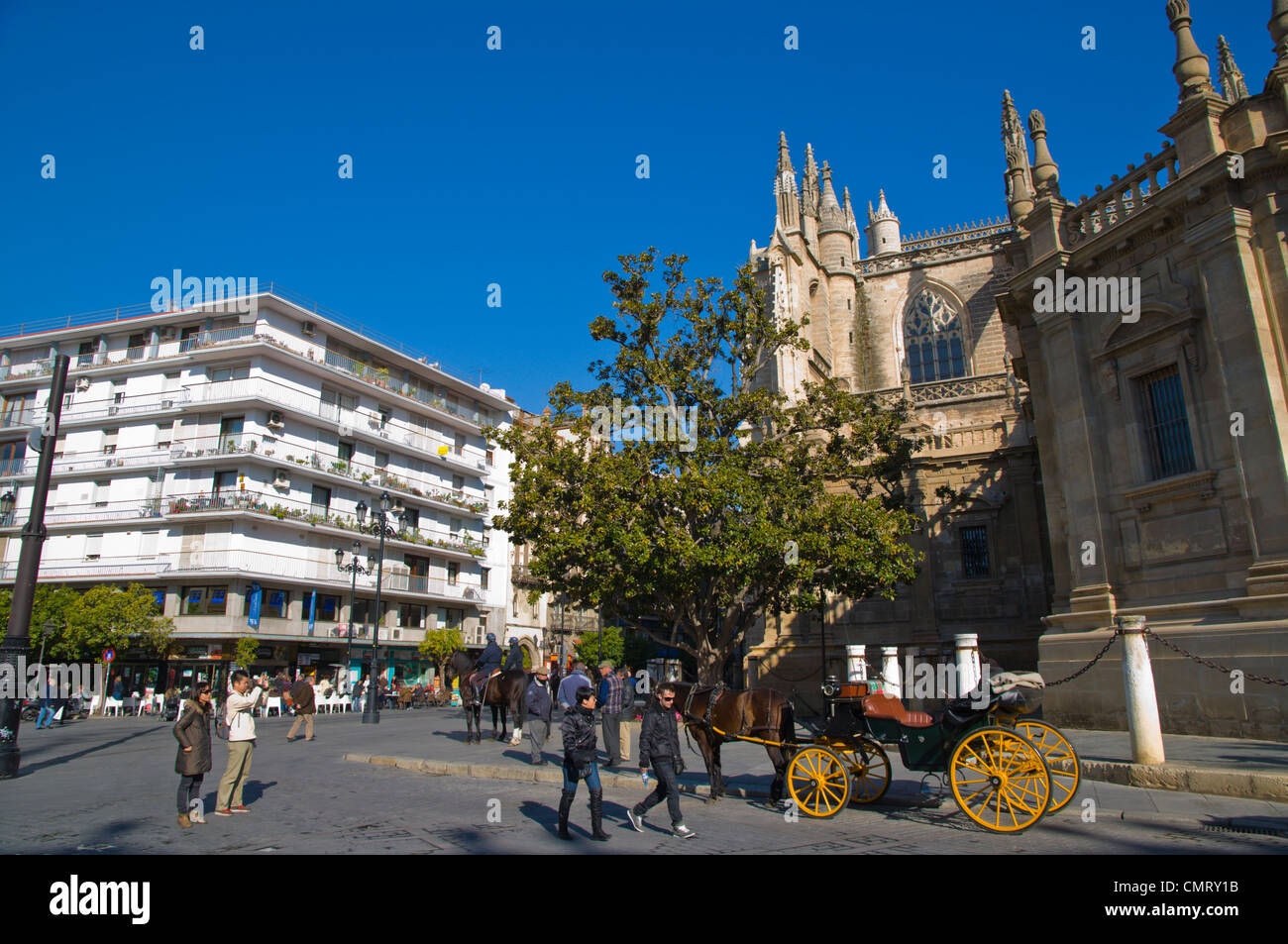 Calle stock photos calle stock images alamy for Inside genova madrid