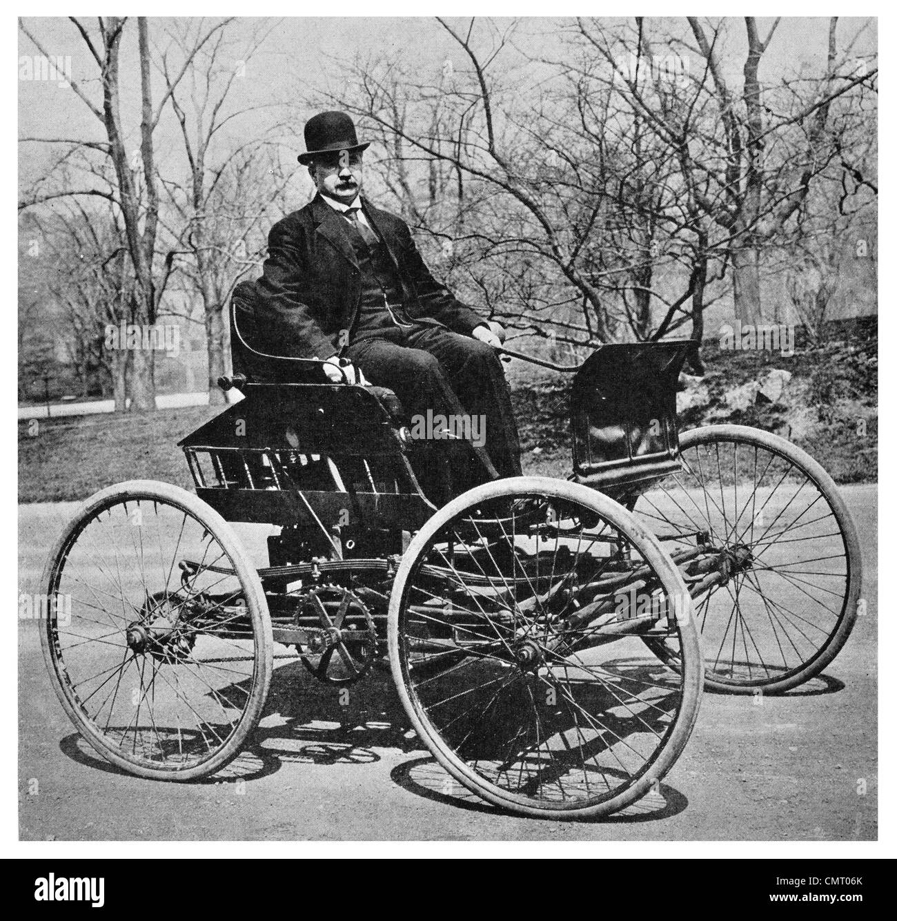 1923 Bicycle and buggy early days of Automotive industry car vehicle - Stock Image