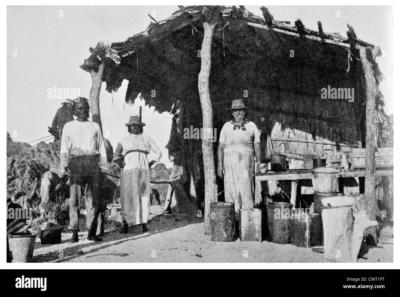 1924 Ruler of Tyra Island in his Bark Hut 16°26′41″S 123°6′9″E Western Australia - Stock Image