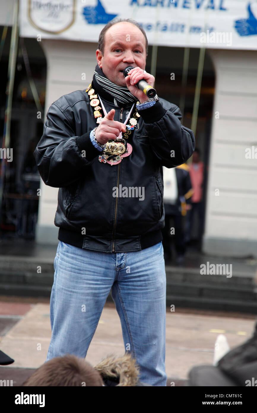 pop singer Siggi Rose, former carnival prince in 2005, Rhenish carnival 2012, Altweiber, storm of the city hall, - Stock Image