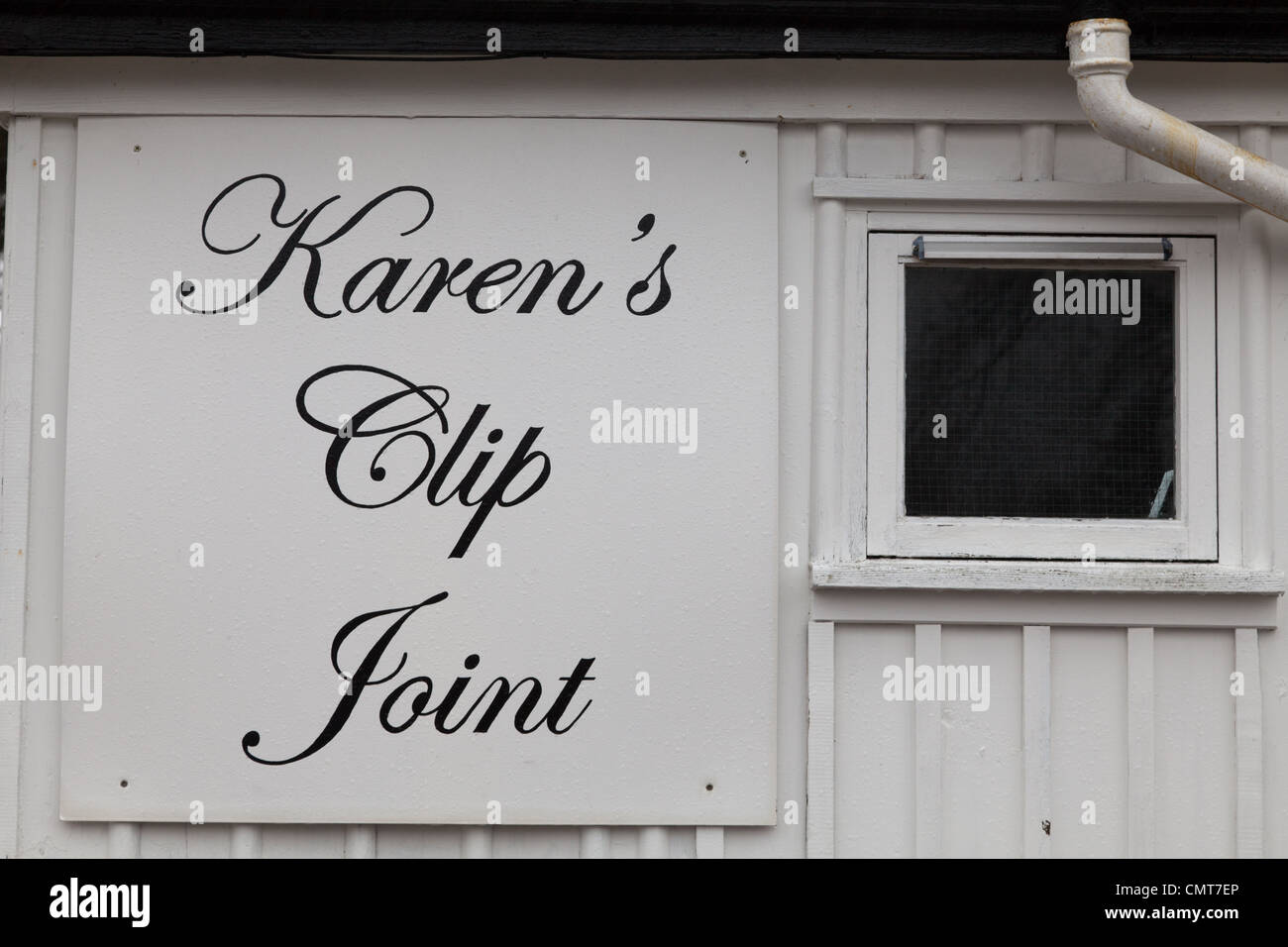 A witty amusing play on words for a hairdressers by Strathcarron staion, Wester Ross, Scottish highlands. - Stock Image