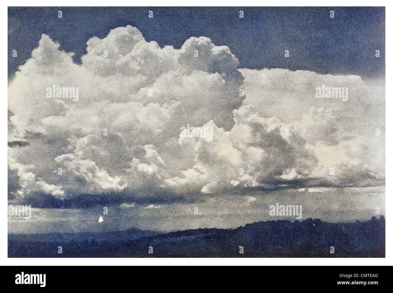 1925 Cumulo Nimbus Thunder Cloud - Stock Image