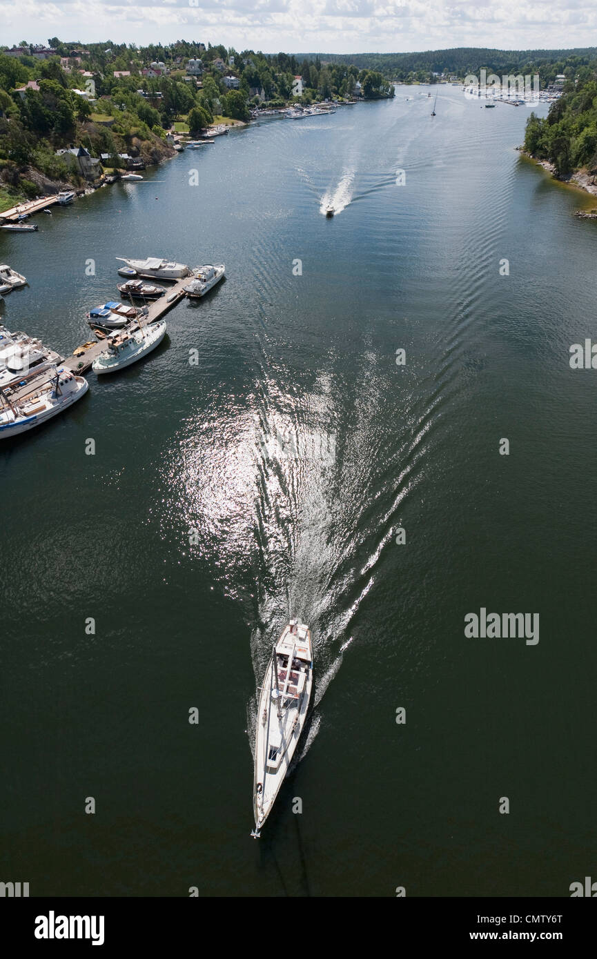High angle view of boat on the move - Stock Image