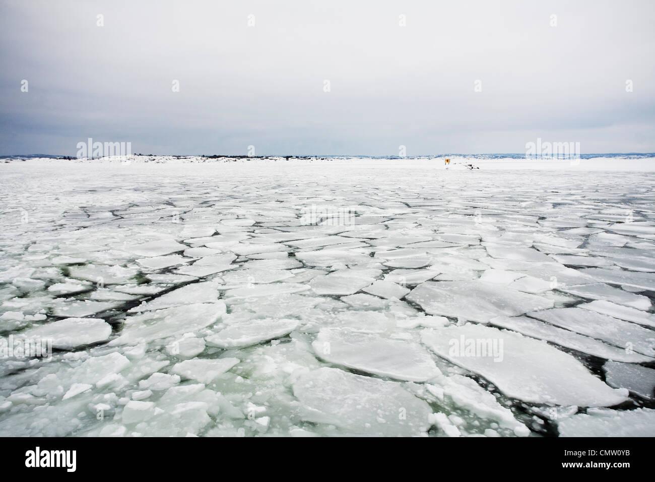 Cracked icecap - Stock Image