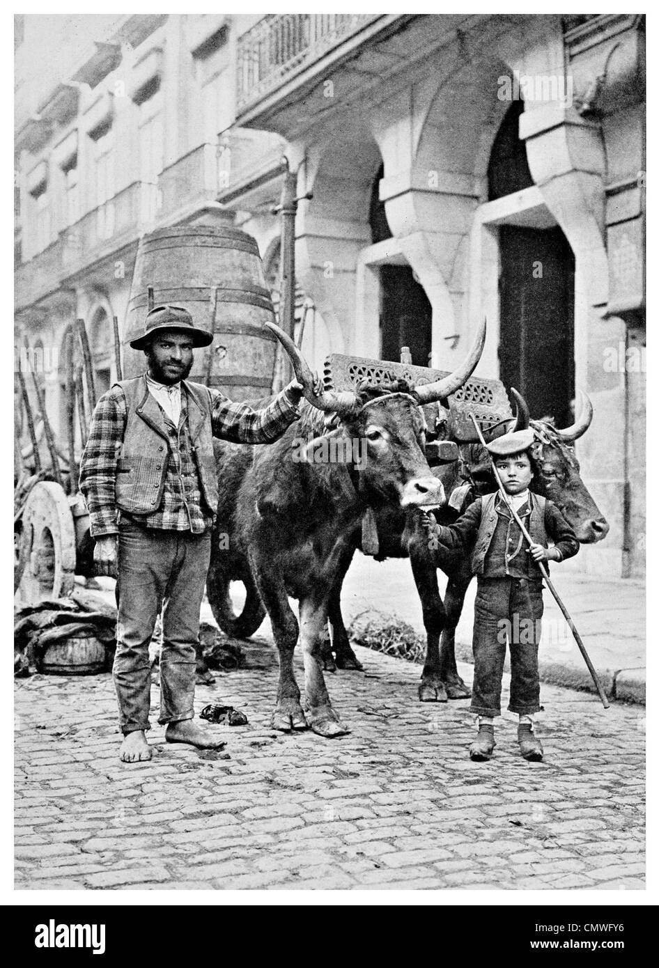 1925 Ox Cart in Oporto Portugal - Stock Image