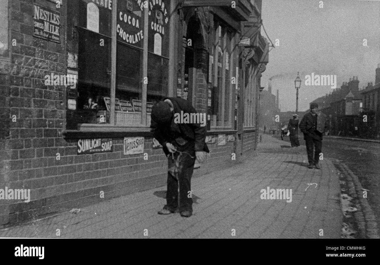 Dunstall Road, Wolverhampton, circa 1893. Passers by in Dunstall Road on the junction with Dunstall Avenue looking - Stock Image