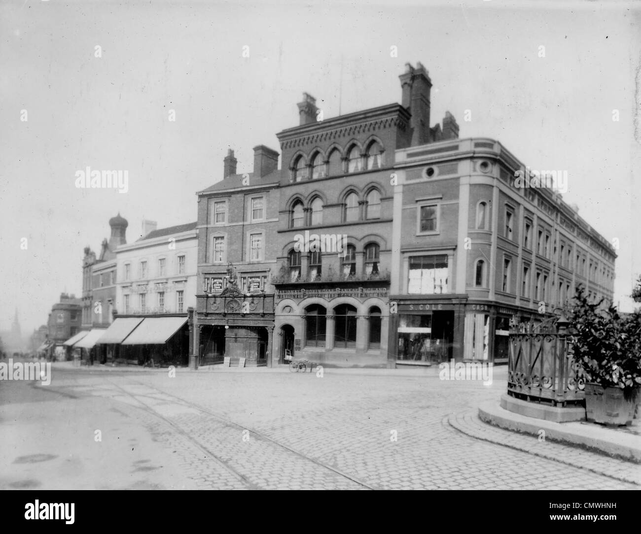 The Electric Theatre, Queen Square, Wolverhampton, circa 1910. The Electric Theatre standing to the right of the - Stock Image