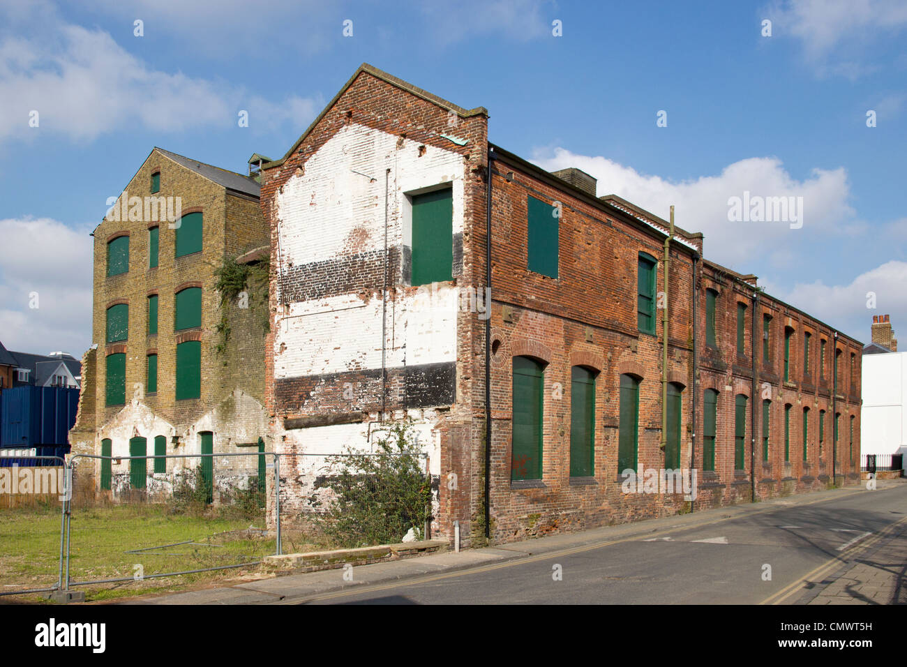 Future Hotel du Vin in derelict warehouse Canterbury Kent. Planning application notice posted.  Stour Street Canterbury - Stock Image