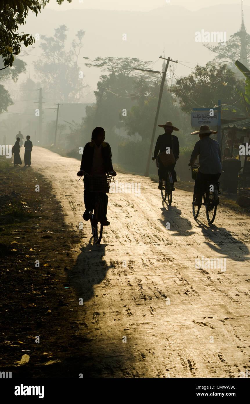 Rural road at dusk, Nyaungshwe, Inle Lake, Myanmar - Stock Image