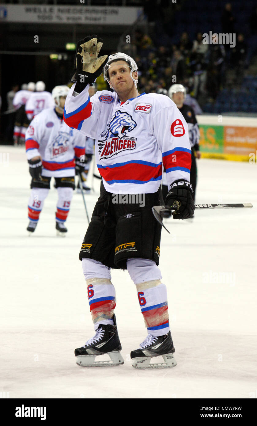 sports, ice hockey, Deutsche Eishockey Liga, 2011/2012, Krefeld Pinguine versus Nuernberg Ice Tigers 1:3, Eric Chouinard Stock Photo