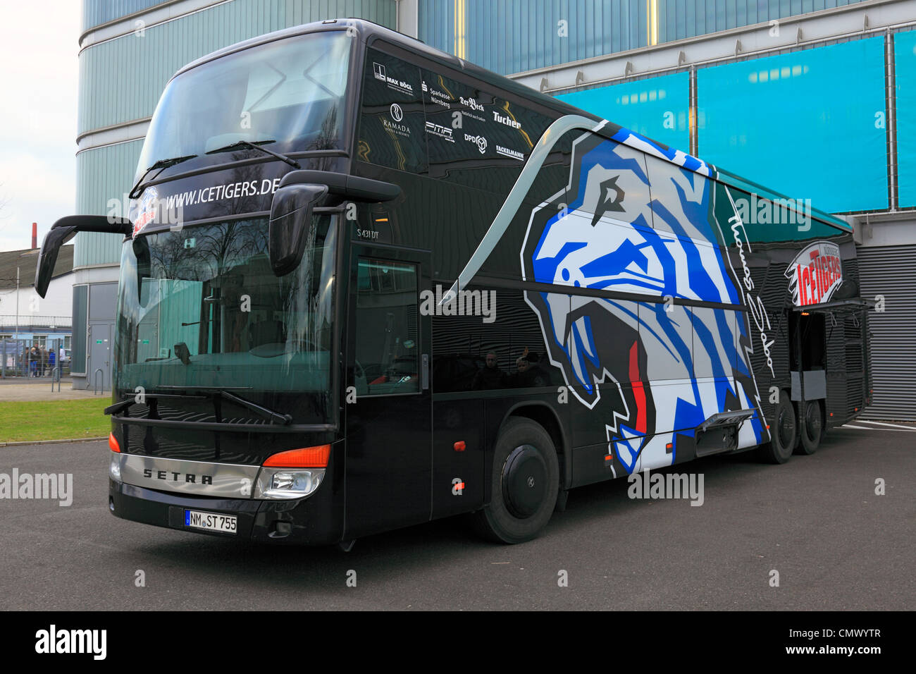 team bus of nuremberg sports ice hockey deutsche eishockey liga stock photo 47284519 alamy. Black Bedroom Furniture Sets. Home Design Ideas