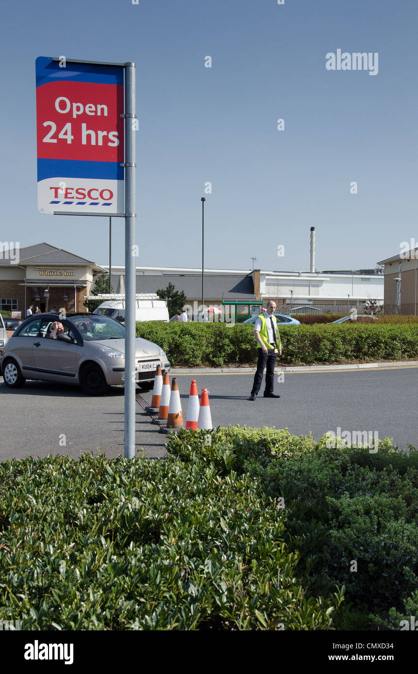 Queues for Fuel during potential Strikes at Brockworth, Gloucester - Stock Image