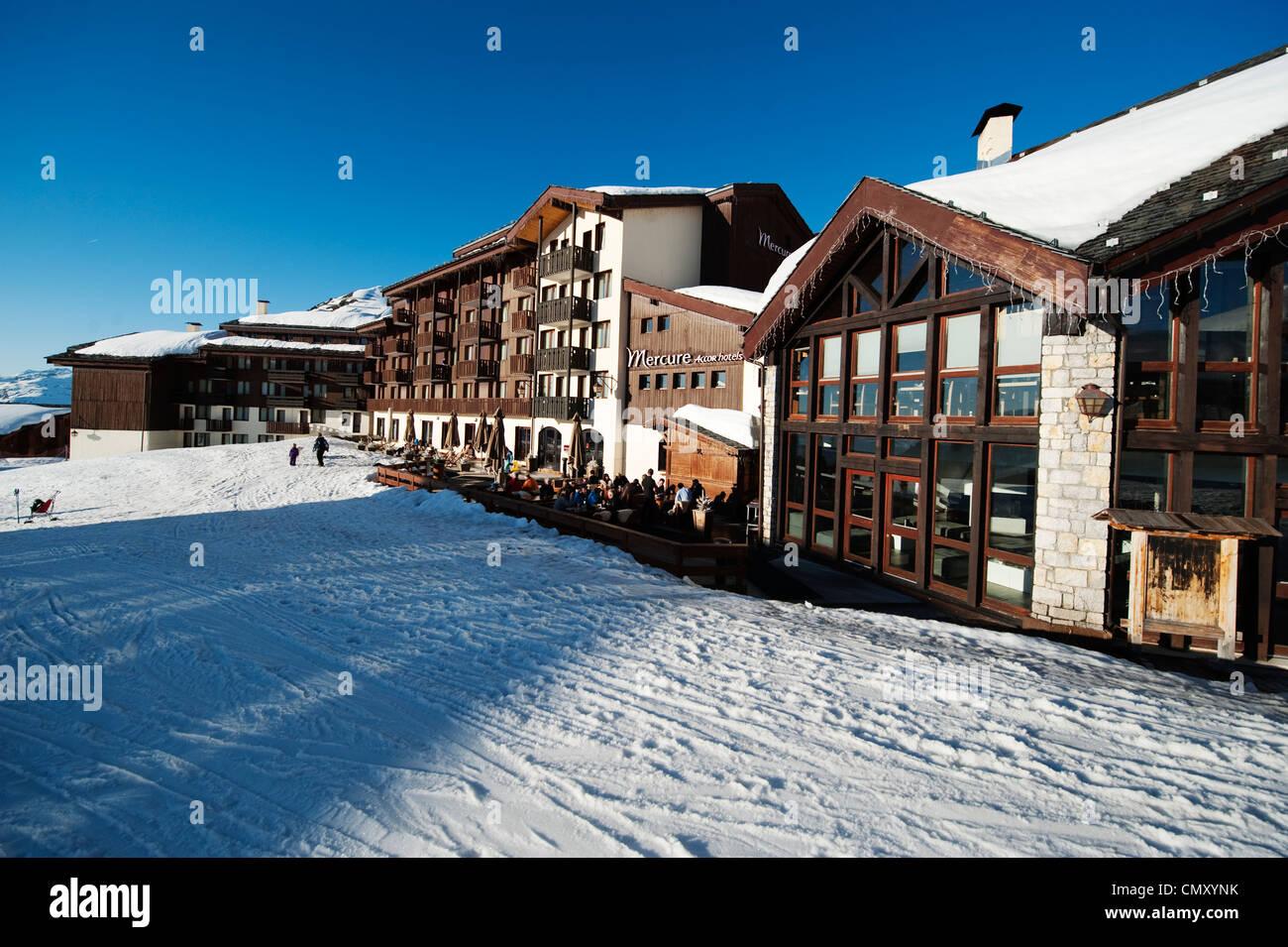 ski in ski out accor hotels mercure at belle plagne altitude ski