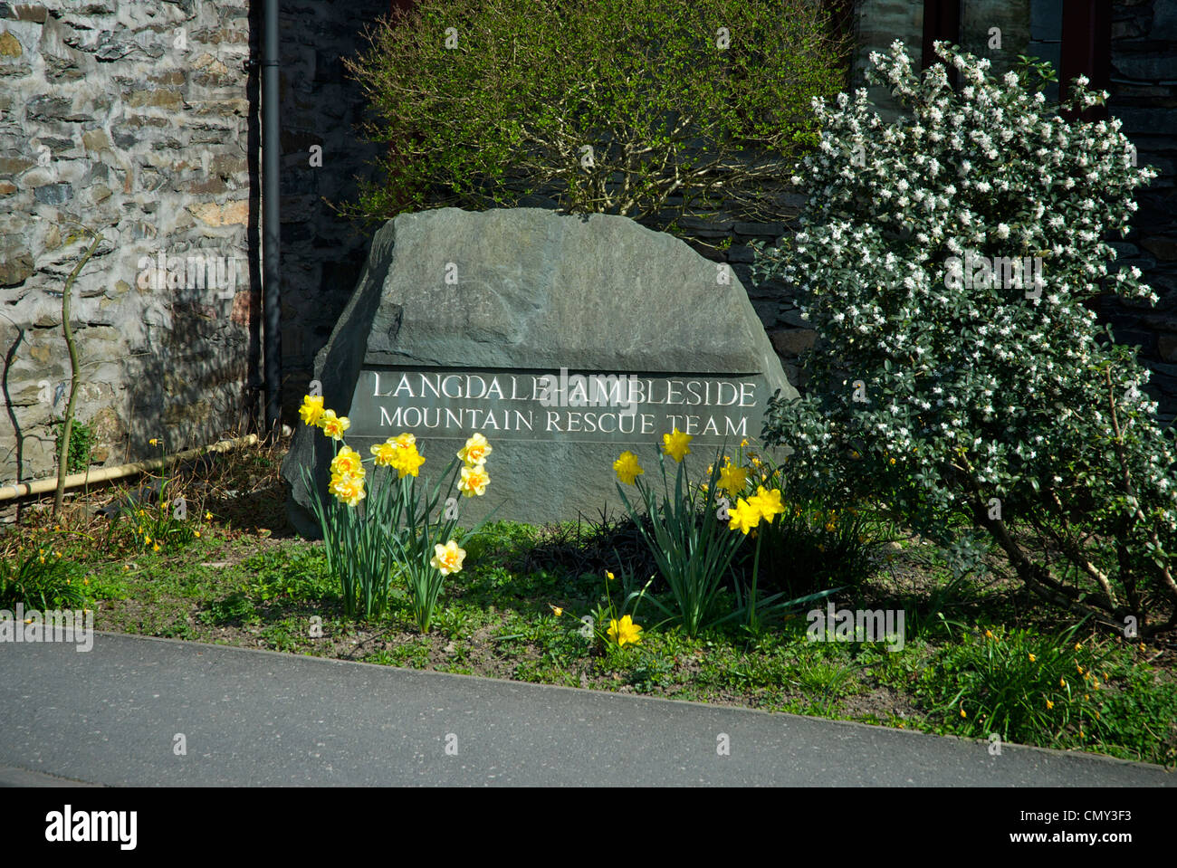 Slate engraved with Langale & Ambleside Mountain Rescue Team, outside the team's base on Lake Road, Ambleside, - Stock Image