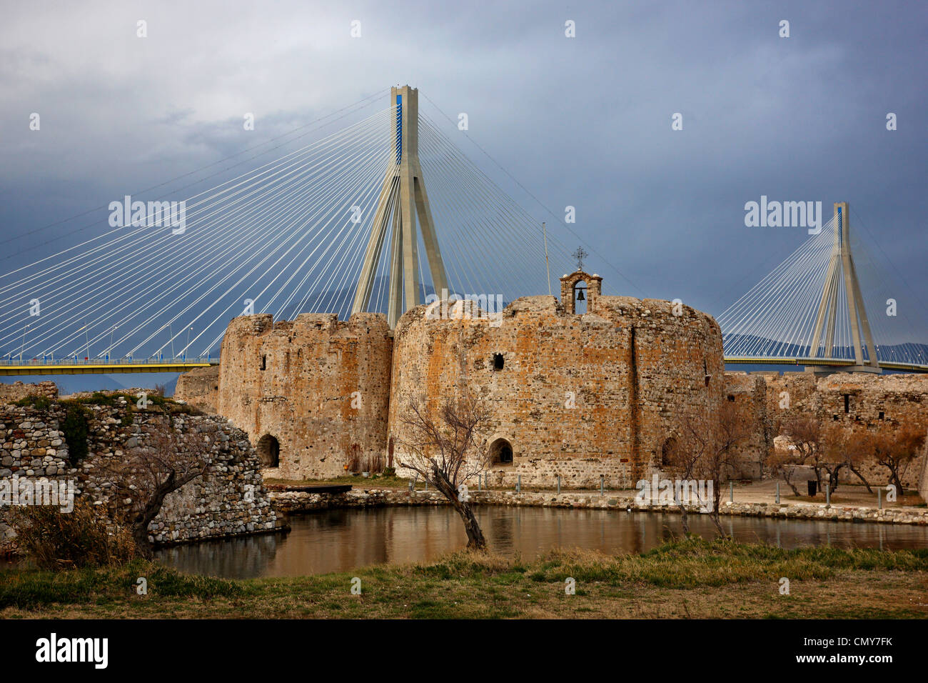 The Rion- Antirion cable bridge and the castle of Rio (also known as 'Castello di Moreas'), Achaia, Peloponnese,Greece. - Stock Image