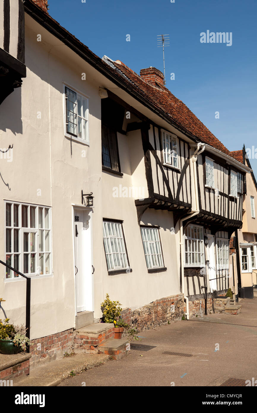 Medieval tudor house in Wealden type, with significant subsidence in Lavenham, Suffolk - Stock Image