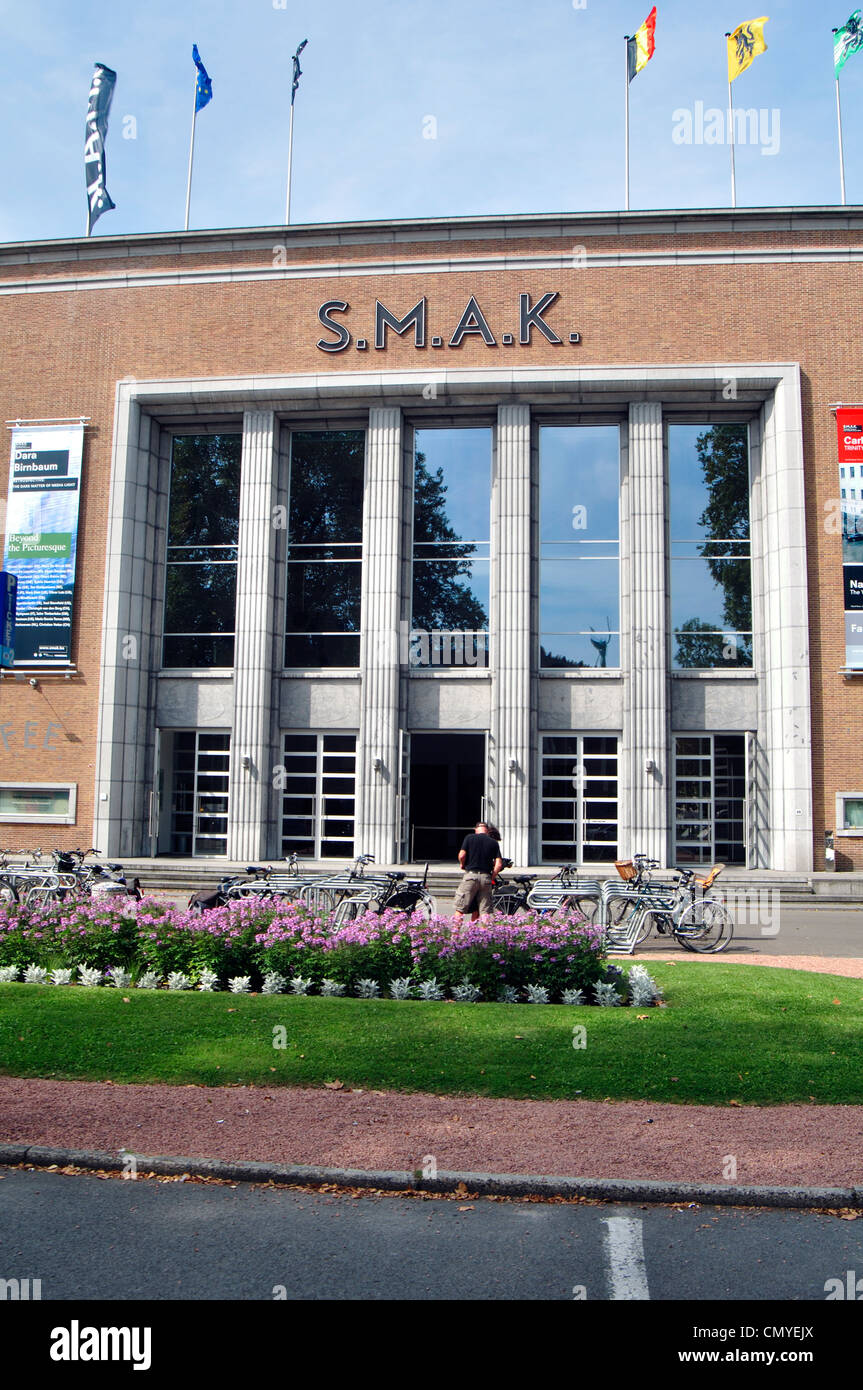 Belgium, Flanders, Ghent, SMAK,  Municipal Museum of Contemporary Art, Entrance - Stock Image