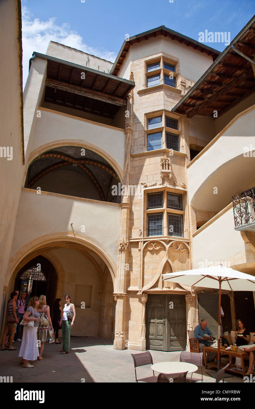 Traboule, courtyard in old City Center, Vieux Lyon, UNESCO World Heritage Lyon, Rhone Alps, France - Stock Image