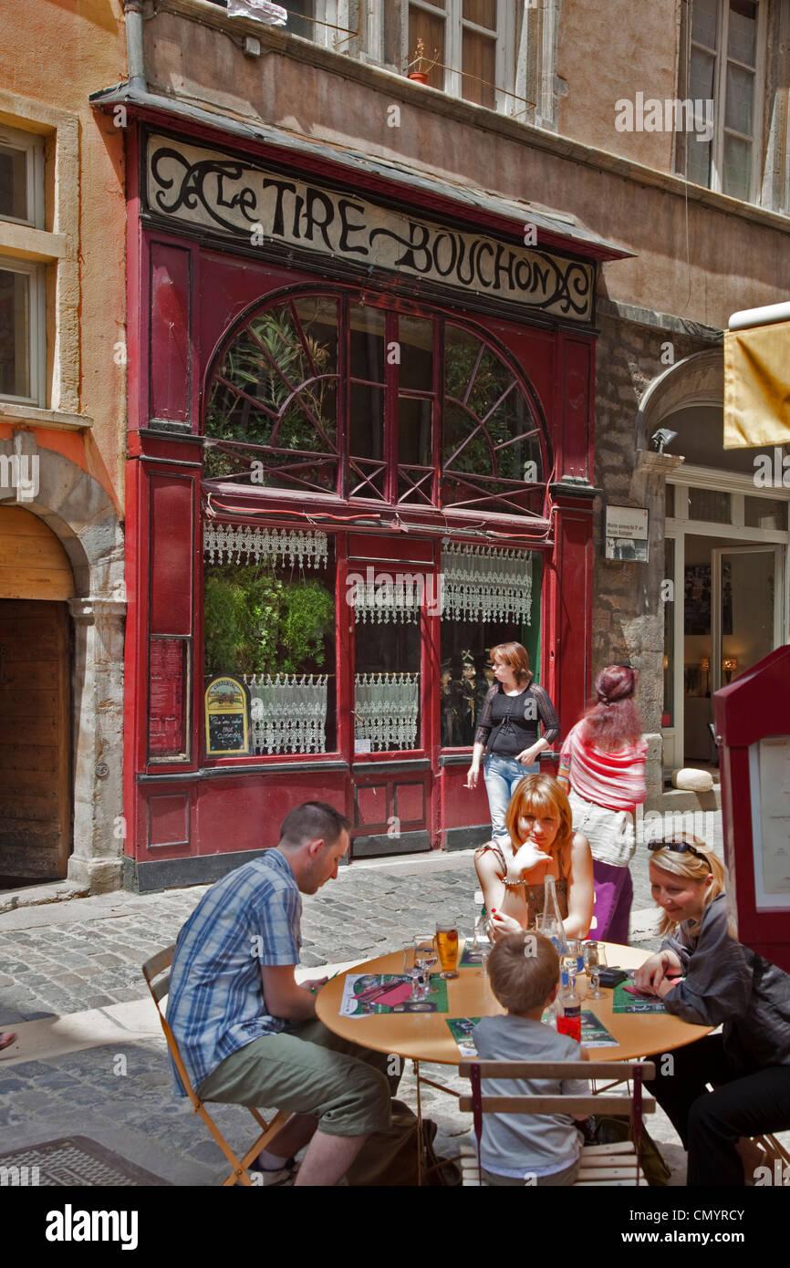 Le Tire Bouchon Restaurant  Old City Center, Vieux Lyon, UNESCO World Heritage, Lyon, Rhone Alps, France - Stock Image