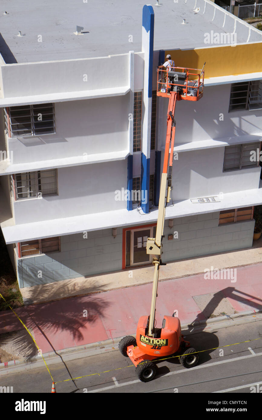 Workers On Boom Lift Stock Photos Workers On Boom Lift Stock Images Alamy