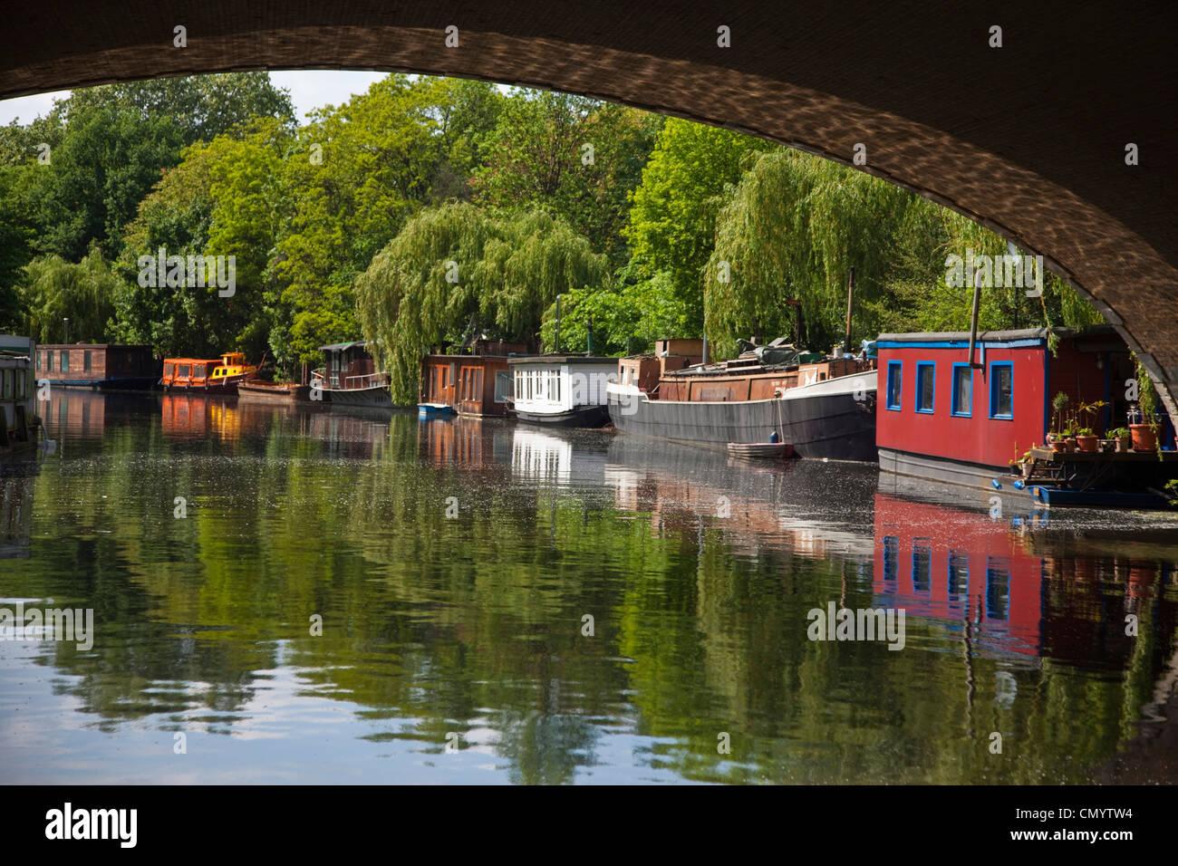 house boats in Tiergarten, Berlin, Germany - Stock Image