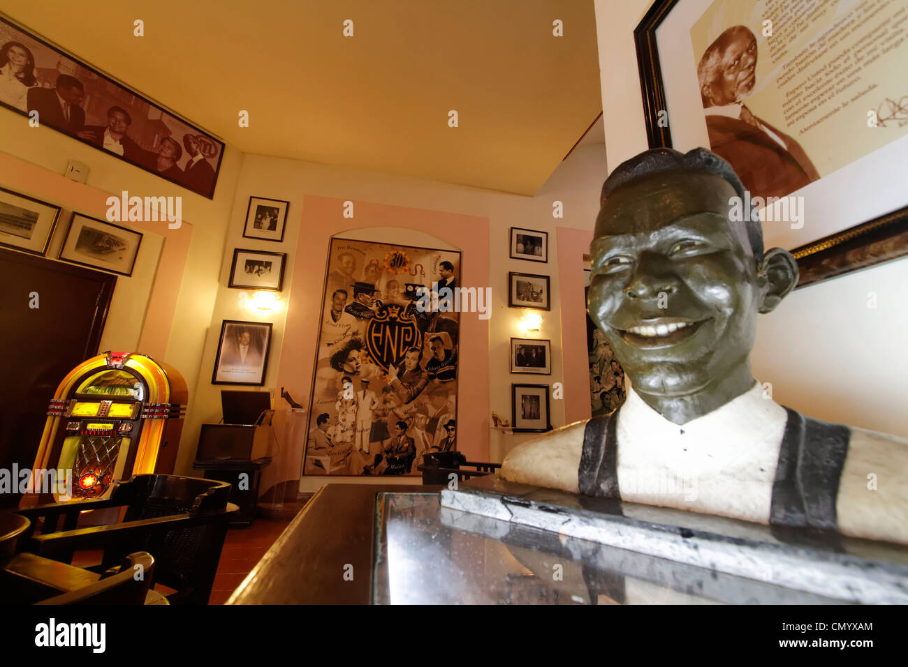 Hotel National Vedado, famous Bar, Nat King Cole Statue, Cuba, Greater Antilles, Antilles, Carribean, West Indies, - Stock Image
