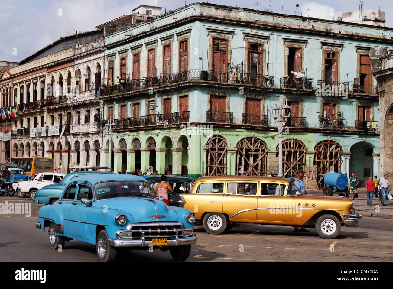 Oldtimer in Havanna Center on Paseo de Marti near Capitol, Cuba, Greater Antilles, Antilles, Carribean, West Indies, Stock Photo