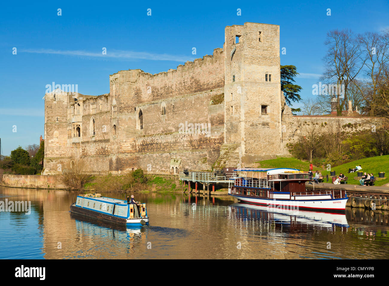 Newark Castle and River Trent Newark-on-trent Nottinghamshire England UK GB EU Europe - Stock Image