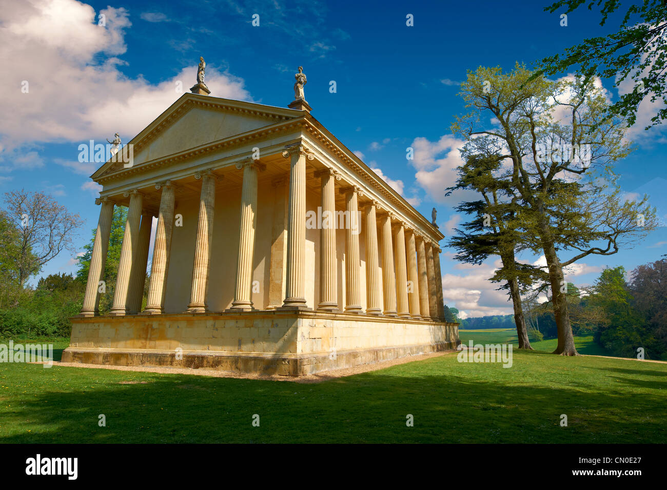 Neo Classic Greek Temple in the landscape gardens of Stowe House, the former residence of the Dukes of Buckingham - Stock Image