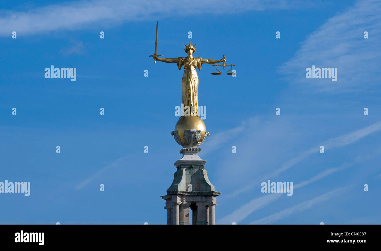 The statue of Lady Justice or the Scales of Justice above the Central Criminal Court, Old Bailey, London. - Stock Image