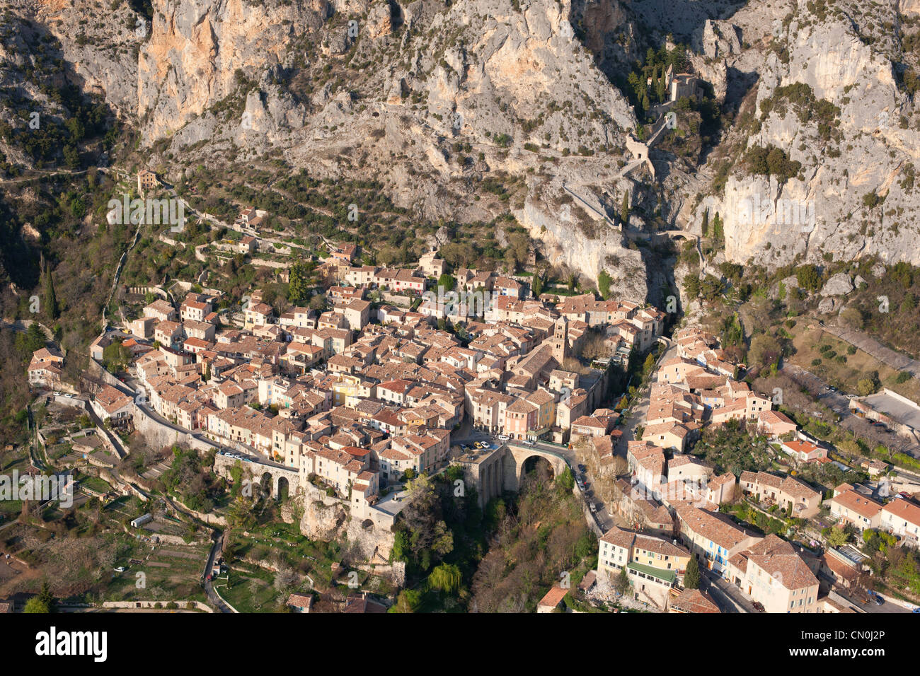 MOUSTIERS-SAINTE-MARIE (aerial view). Medieval village in the foothills of the French Alps. Alpes-de-Haute-Provence, Stock Photo