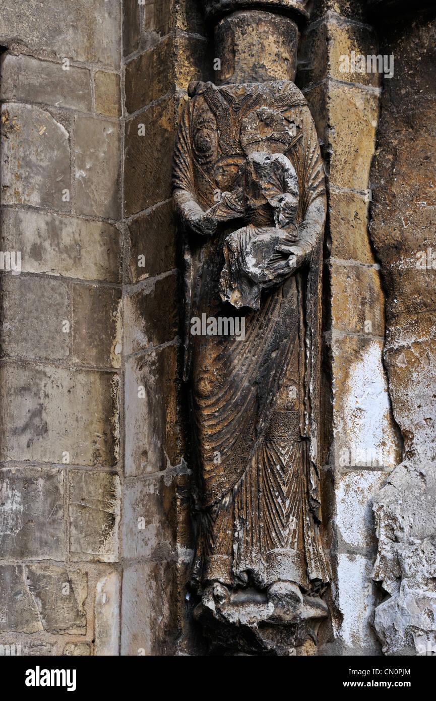 Headless statue on the church at Vermenton, Burgundy, France  - Stock Image