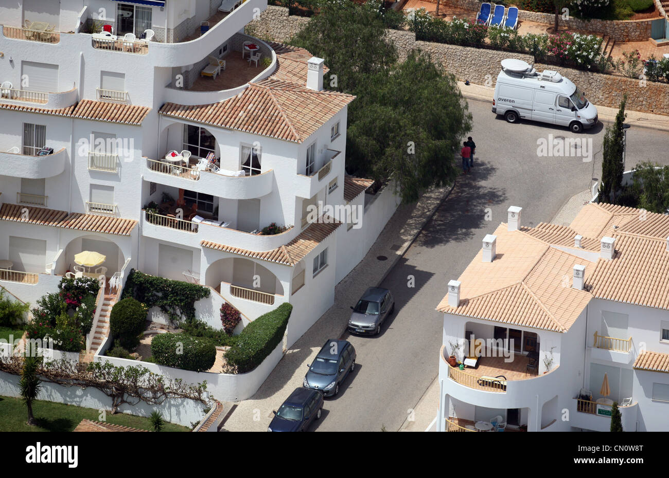10 REASONS WHICH SUGGEST THAT PAMELA FENN DID NOT HEAR ANY CHILD CRYING ON TUESDAY 1 MAY 2007 - Page 4 The-apartment-ground-floor-of-the-ocean-club-apartments-praia-da-luz-CN0W8T