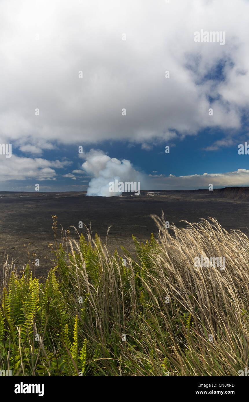 Halemaumau crater of Kilauea volcano, Big Island, Hawaii - Stock Image