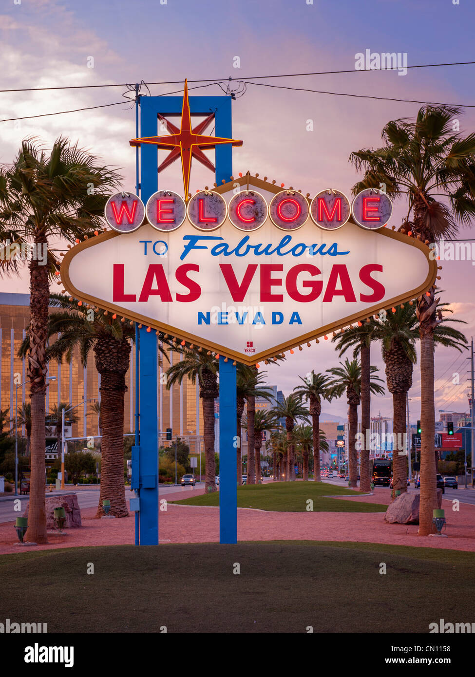 las vegas sign night stock photos las vegas sign night stock images alamy. Black Bedroom Furniture Sets. Home Design Ideas