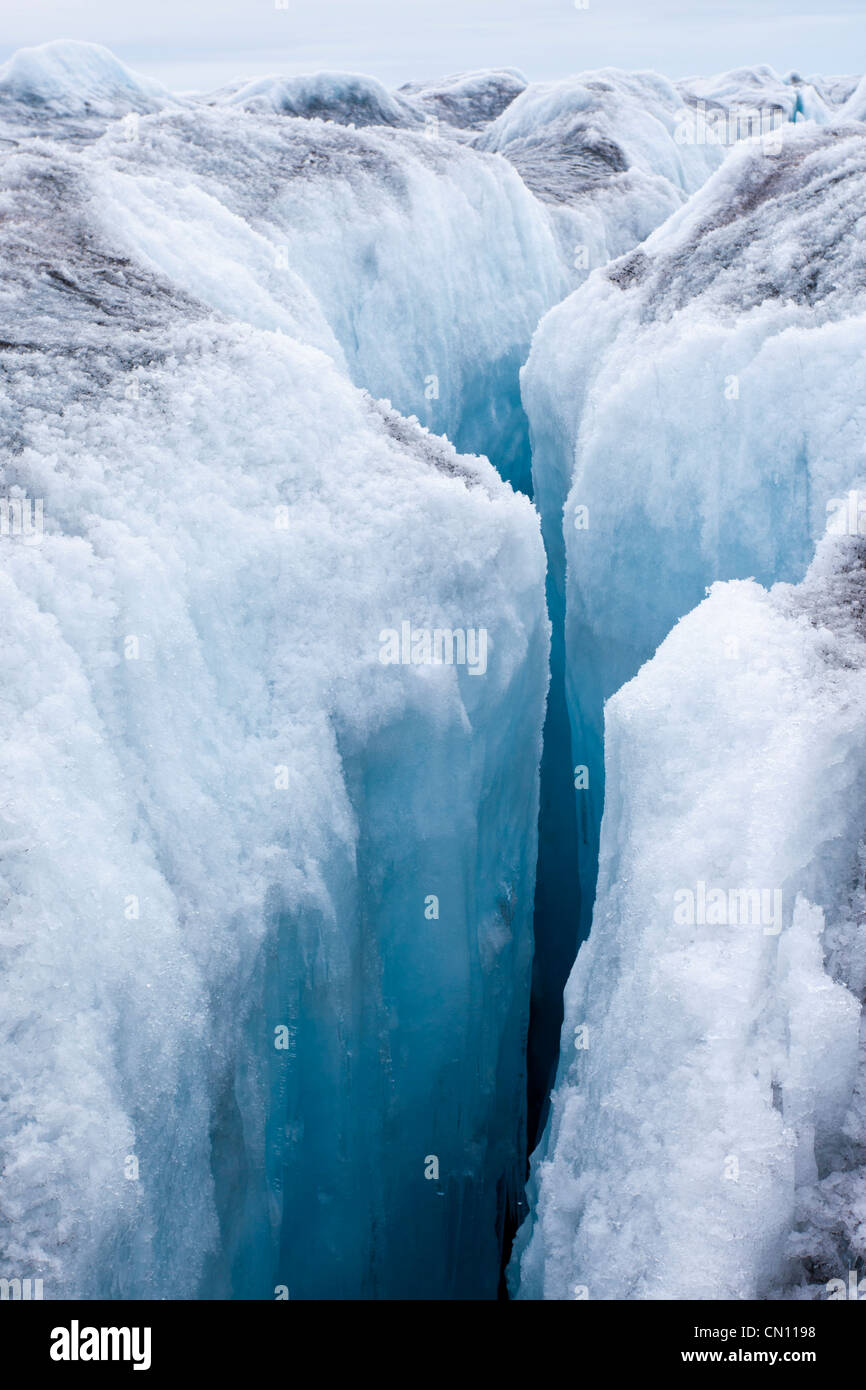 Greenland icecap - crevassed glacier in Greenland - Stock Image