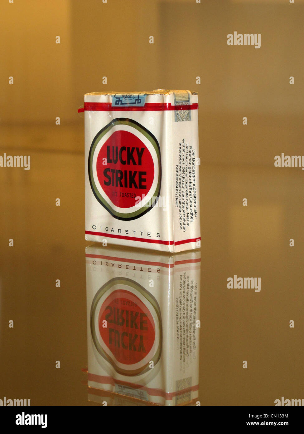 Lucky Strike cigarette package - Stock Image