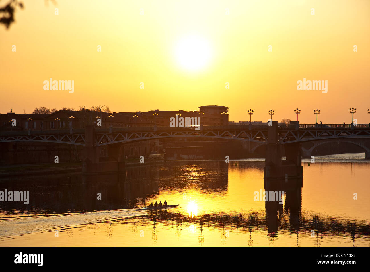 Sunset behind the Pont St. Pierre, river Garonne, Toulouse, France - Stock Image