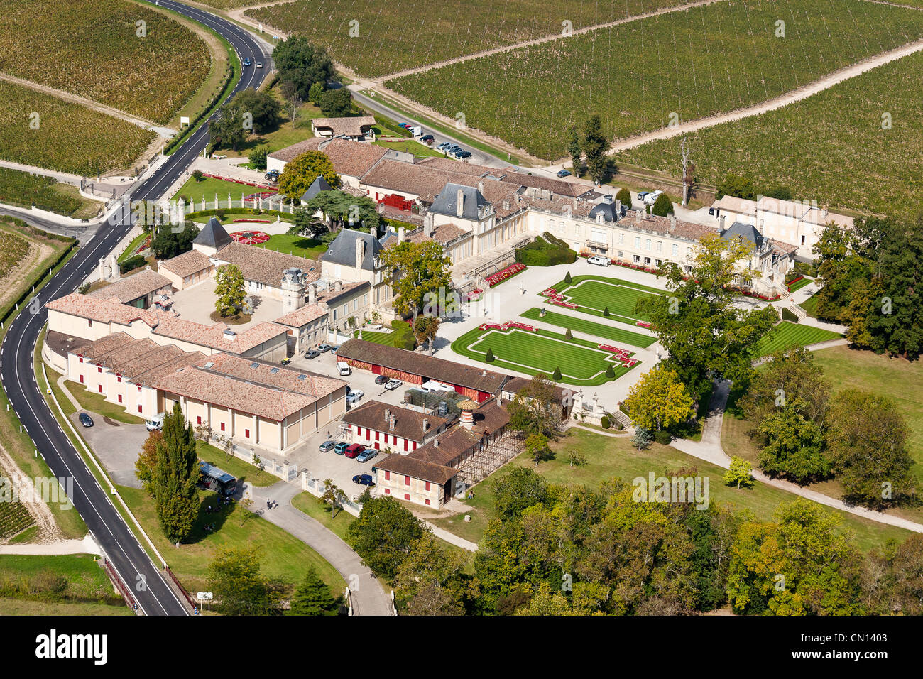 France, Gironde, Saint Julien Beychevelle, Chateau Beychevelle, 4th growth Saint Julien (aerial view) - Stock Image