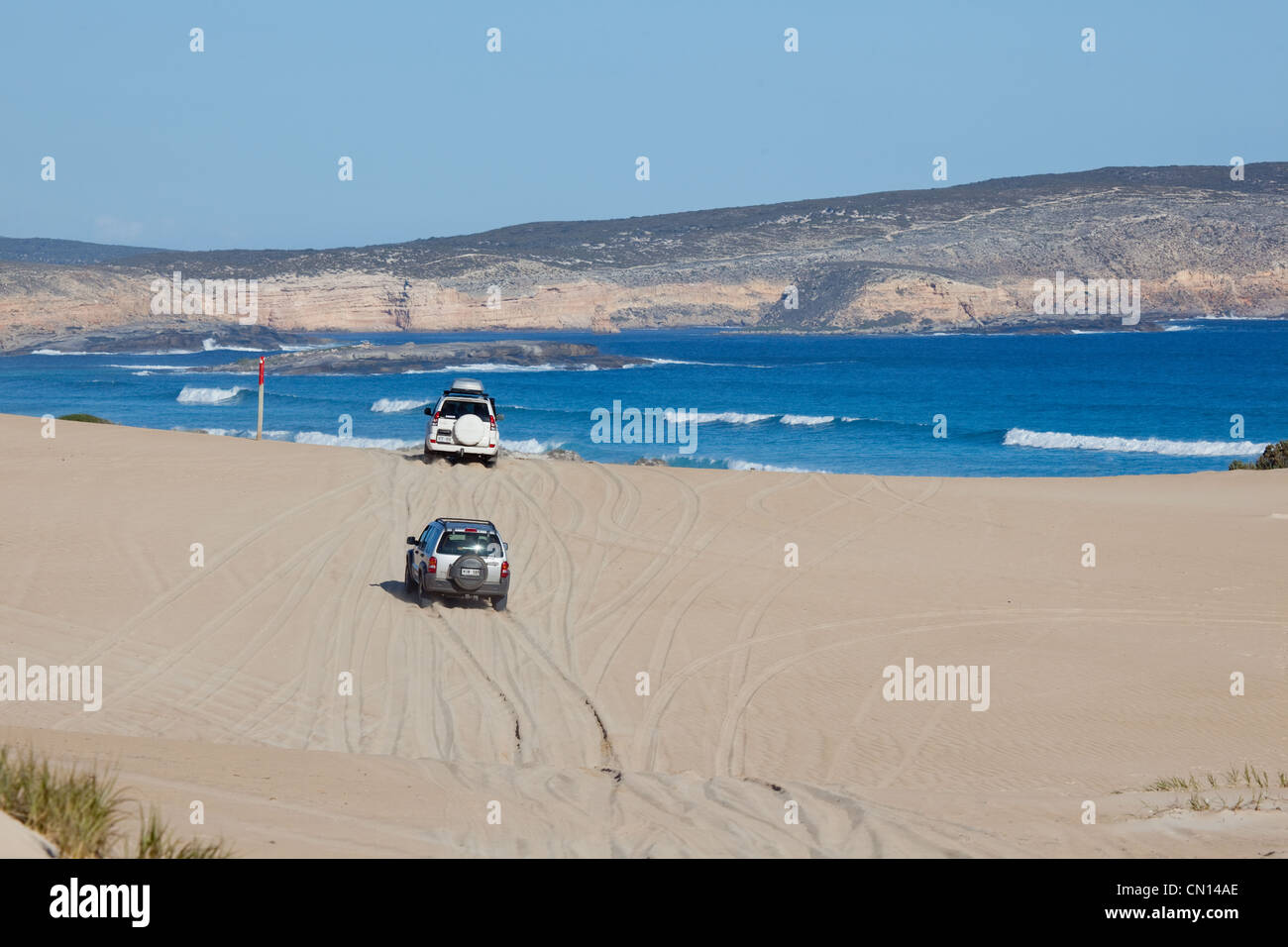 4 wheel drives on sand dunes. Eyre Peninsula. South Australia. - Stock Image