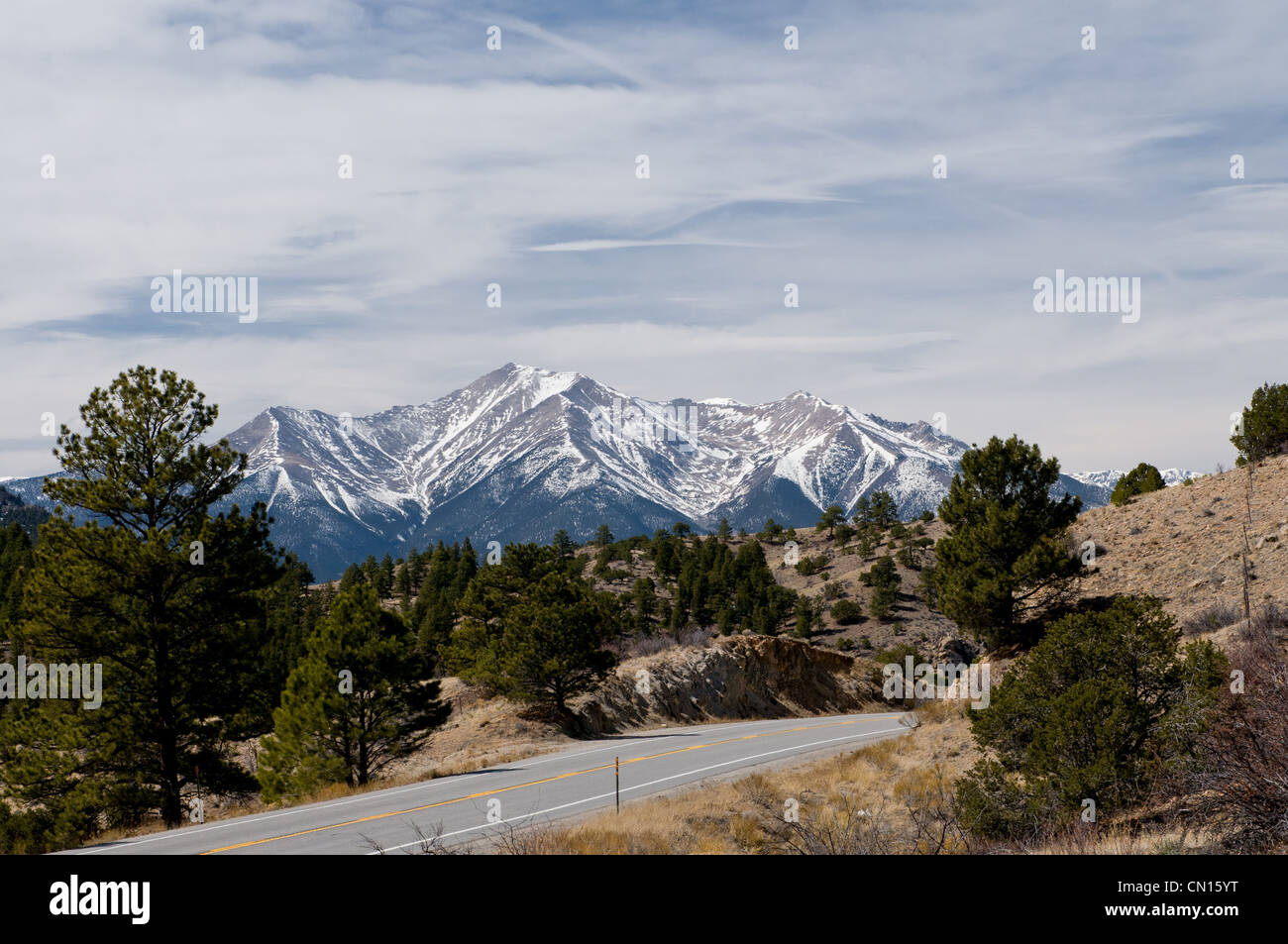 Colorado Rocky Snow Covered Mountains, Highway-285-between-Salida-and-Buena-Vista - Stock Image