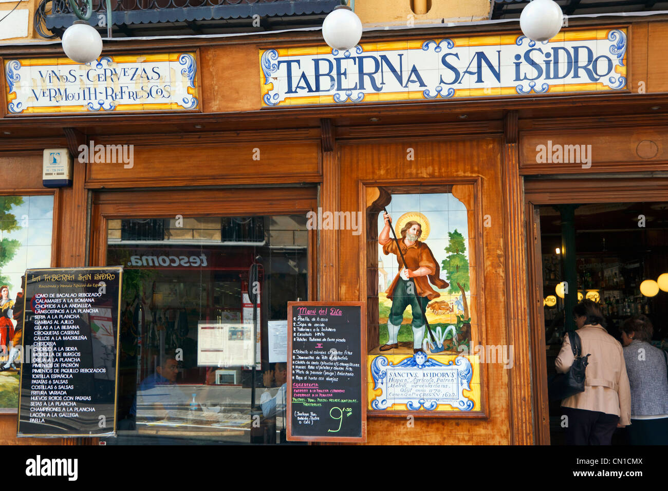 Madrid, Spain. Taberna de San Isidro in Calle Toledo. - Stock Image