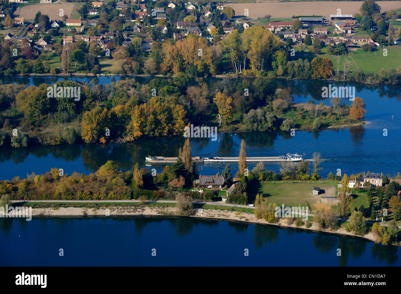 France, Eure, barge on the Seine river at Muids downstream Les Andelys (aerial view) - Stock Image