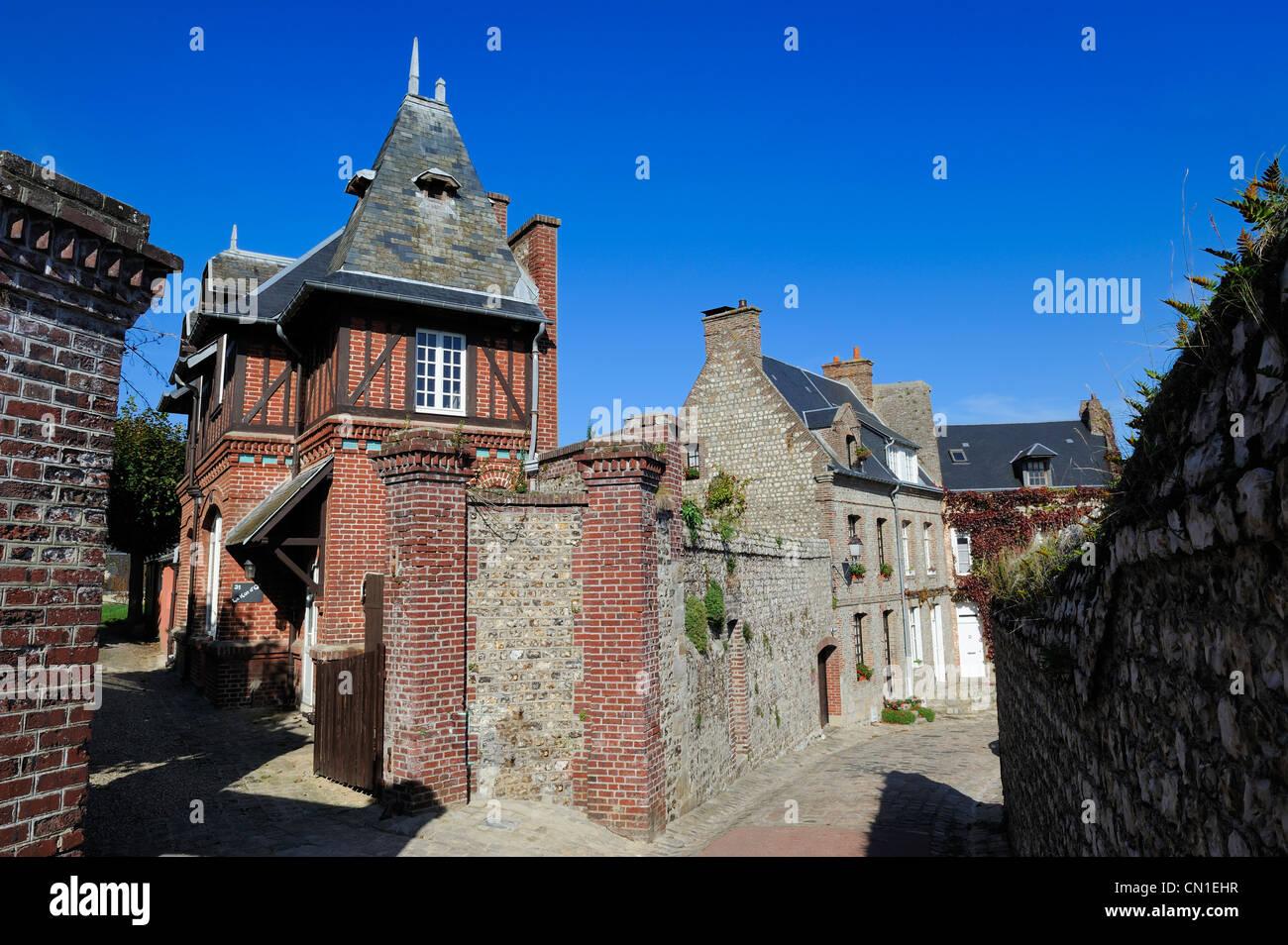 France, Seine Maritime, Saint Valery en Caux, the Aval district, the Rue des Penitents - Stock Image