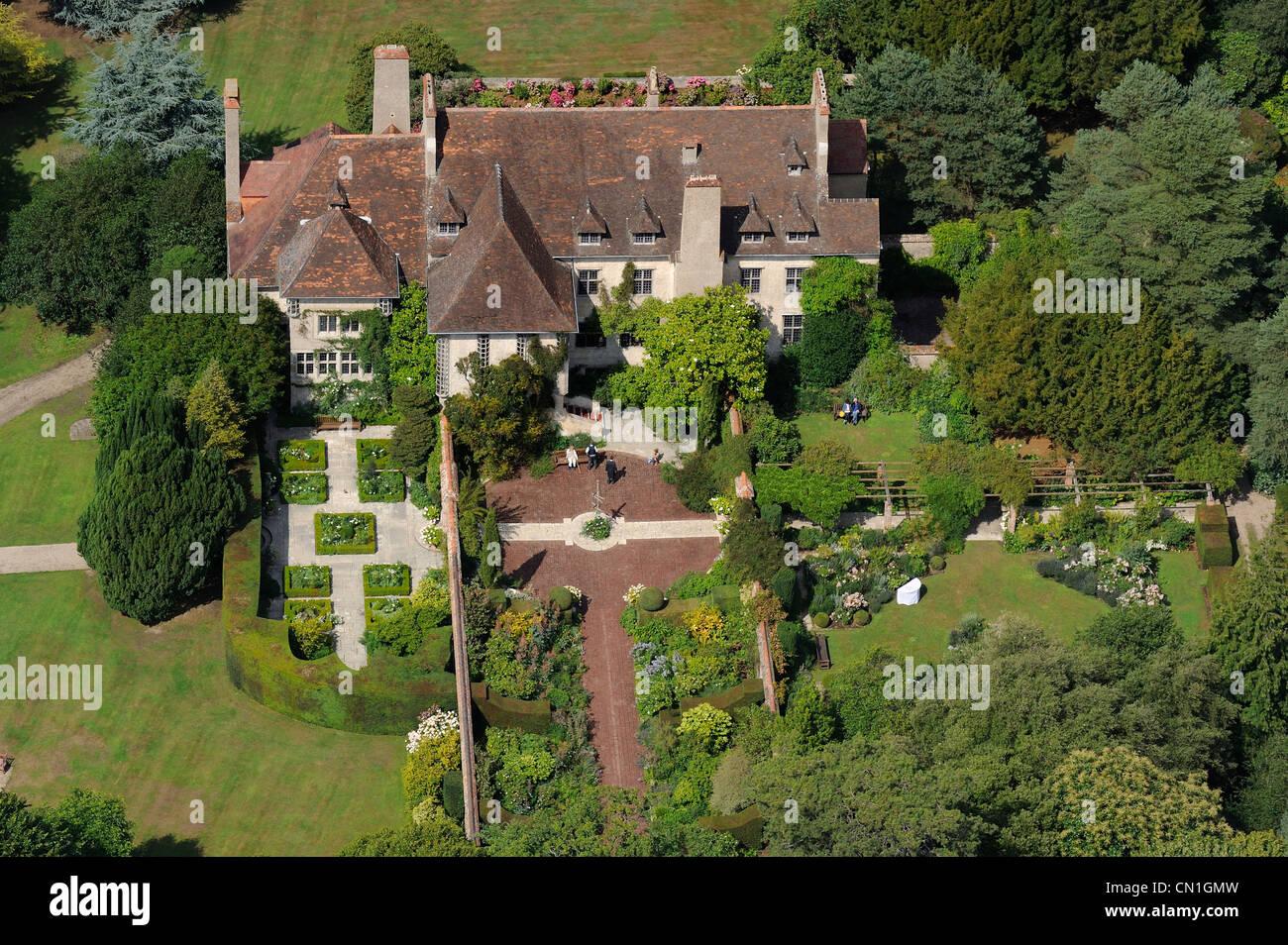 France, Seine Maritime, Varengeville sur Mer, manor of Le Bois des Moutiers Estate (aerial view) - Stock Image