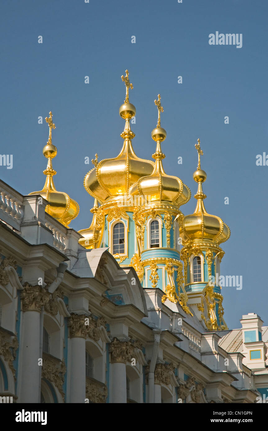 RUSSIA St Petersburg Pushkin (Catherine) Palace (1744) gilded domes of the chapel - Stock Image