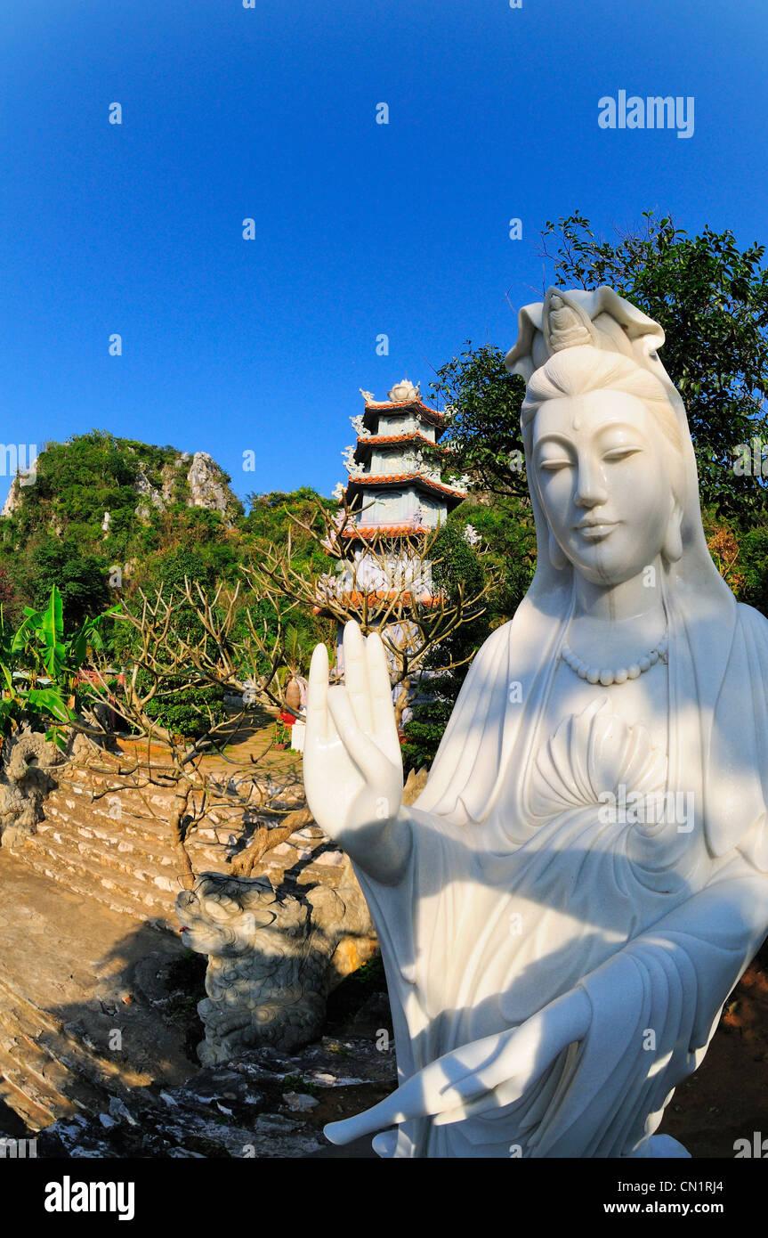 White stone statue of Bodhisattva (Ba Quan Am), Marble Mountain (Ngu Hanh Son), Vietnam - Stock Image